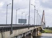 靠近我芹苴,桥梁跨越湄公河加入槟-越南 — 图库照片