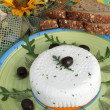 Fresh cheese with black olives — Foto Stock