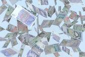 Pioggia di sterline di banconote che cade — Foto Stock