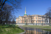 The Mikhaylovsky palace in the city of St. Petersburg — Stock Photo
