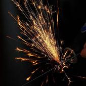 Scintille durante il taglio di metalli. da vicino — Foto Stock