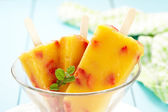 Mango-Peach Ice Cream with Strawberry — Stock Photo