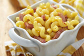 Macaroni and cheese with ham — Stock Photo