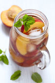 Peach ice tea — Stock Photo