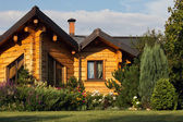 Cottage exterior — Stock Photo