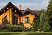 Cottage exterior — Stock Photo