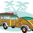 Woody Sedan With Surfboards On The Roof — Stock Vector