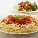 Chicken meatballs with spaghetti — Stock Photo