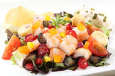Fresh and healthy shrimp salad with berries — Stock Photo