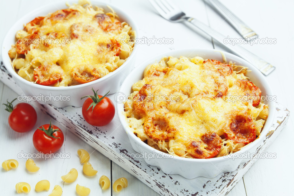 depositphotos_41900991-Pasta-baked-with-tomato-and-cheese.jpg