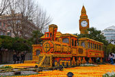 MENTON, FRANCE - FEBRUARY 27: Lemon Festival (Fete du Citron) on the French Riviera. — Stock Photo