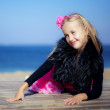 Smiling teen girl at the seaside — Stock Photo