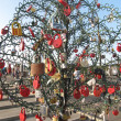 Tree with heart shaped padlocks — Stock Photo