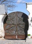 Stary metal brama — Zdjęcie stockowe