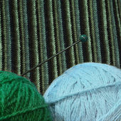 Green and blue balls of yarn for knitting isolated — Stock Photo