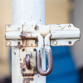 Old Iron latch has corroded — Stock Photo