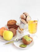 Kiwi, Fruit, juice and cookies. — Stock Photo