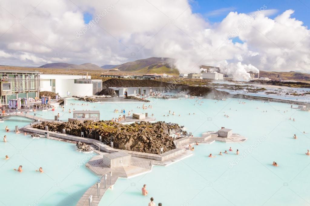 蓝色泻湖 —— 著名的冰岛温泉和地热发电厂 - 图库图片
