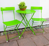 Bright green Cafe Table and Chairs at Reykjavik Iceland — Zdjęcie stockowe