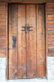 Old traditional Bulgarian door — Stockfoto