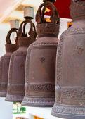 串挂在泰国寺佛教宗教钟声 — 图库照片