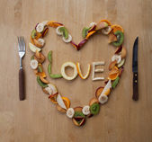 VALENTINE LOVE HEART - Fruity, Fresh, Healthy! 5-a-day! — Stock Photo