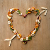 Heart Arrow! Valentines Day Love - Fresh, Fruity, 5-a-day! — Stock Photo