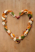 Fruit Heart - healthy eating! Valentines Day or Fresh 5 A Day Vi — Stock Photo