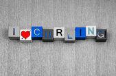 Miłość w curlingu, znak dla sportów zimowych, ze serce symbol. — Zdjęcie stockowe