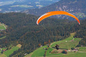 Paraglider in Austrian mountain — Stock Photo