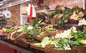 Market stand with green vegetables — Stockfoto