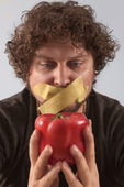 Cant eat a red pepper — Stock Photo