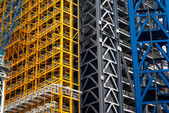 Colorful scaffolding at tower build in City of London — Stock Photo