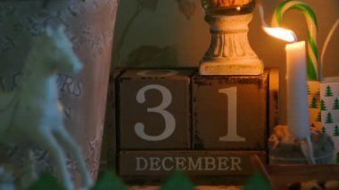 Wooden calendar FullHD 1080p — Stockvideo