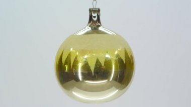 Yellow glass christmas ornament FullHD 1080p — Stock Video