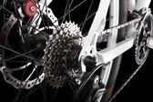 Engranajes de bicicleta, disco de freno y desviador trasero. — Foto de Stock