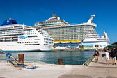 Cruise Ships in Nassau, Bahamas — Stock Photo