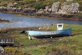 Stranded boat — Stock Photo