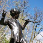 Peter Pan statue — Stock Photo