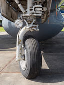Front landing wheel of a plane — Stockfoto