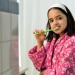 Little Hispanic Girl Oral Hygiene — Stok Fotoğraf #19747135