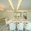 Trendy dining room — 图库照片