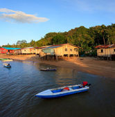 Native houses bye the sea at borneo, sabah, Malaysia — Stock Photo