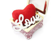 Love and heart in a box — 图库照片