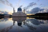 Reflection of Kota Kinabalu city mosque at Sabah, Borneo, Malaysia — Stock Photo