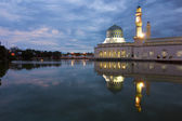 Beautiful Kota Kinabalu city mosque at dawn in Sabah, Malaysia, Borneo — Stock Photo