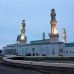 Kota Kinabalu city mosque at dawn in Sabah, Malaysia, Borneo — Stock Photo