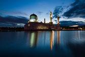 Kota Kinabalu mosque at dawn in Sabah, East Malaysia, Borneo — Stock Photo