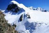 Breithorn szczyt w Alpach Szwajcarskich od klein matterhorn — Zdjęcie stockowe