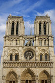 PARIS -Norte Dame Cathedral is on of Paris's most visited touris — Foto de Stock